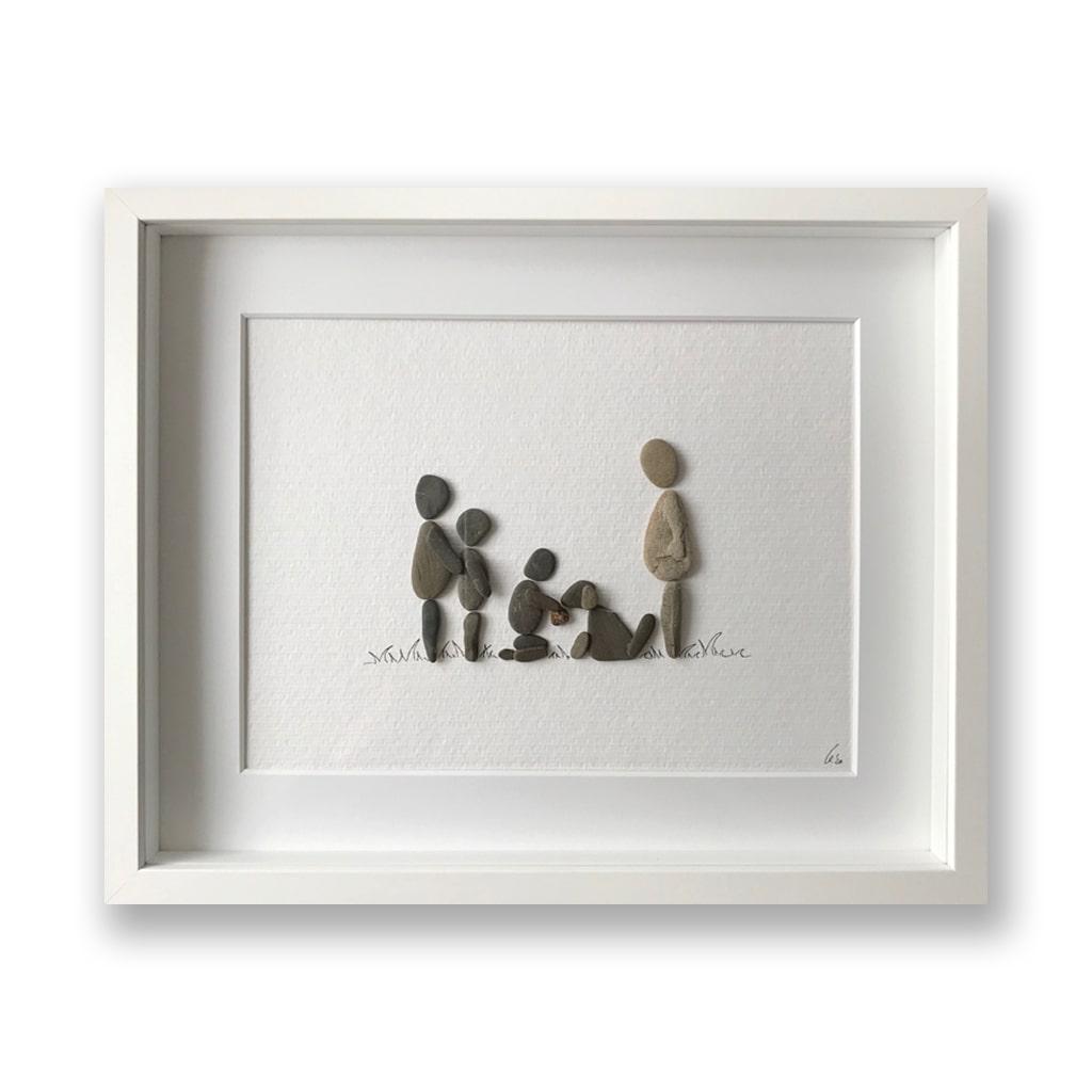 Famlilie mit Hund von Kieselsteinkunst.de