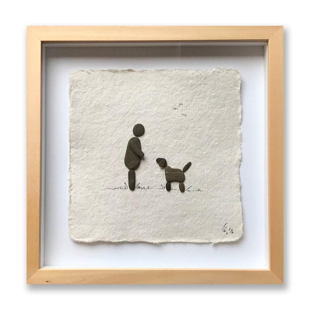 Mann mit Hund von Kieselsteinkunst.de